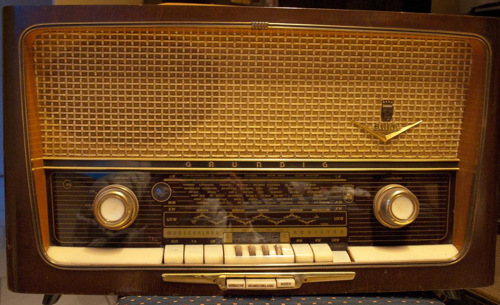 4fach Equalizer – Wunschklangregister – Meine Röhrenradios
